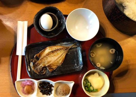 A traditional Japanese breakfast (Photo Credit: Yvonne Z.)