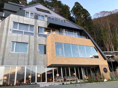 Hotel at Lake Kawaguchiko: Can you spot Mt. Fuji?:) (Photo credit: Yvonne Z.)
